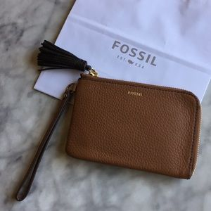 Fossil Tara Brown Leather Wristlet/New